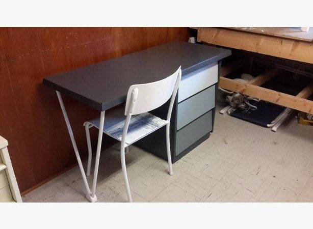 Very Cool Modern Style Desk West Shore Langford Colwood