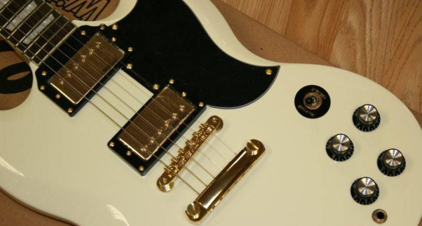 Vintage Electric Guitar White Gold Hardware