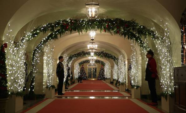 White House Christmas Decorations Cbs