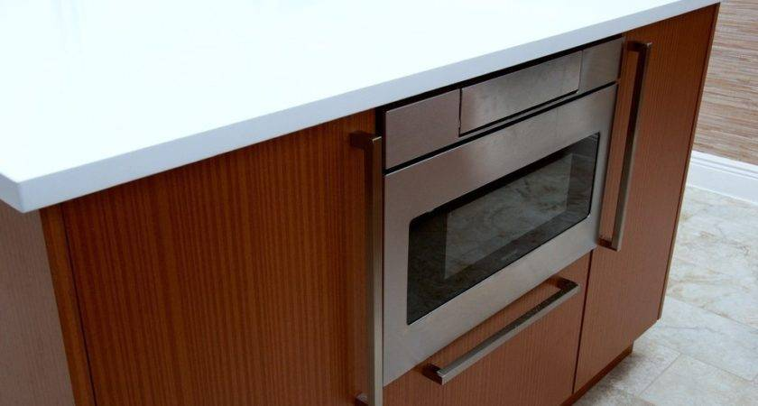 White Lacquer Cabinets Kitchen Two Tone Modern Vent Hood